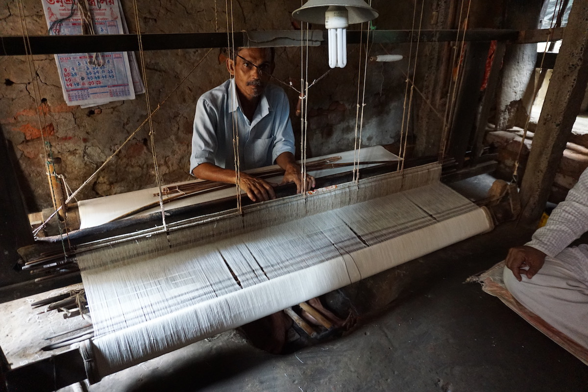 A ninth-generation muslin weaver with MGGSS in West Bengal